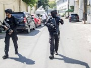 Indonesia: blast at police headquarters conducted by family of five