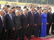 Vietnamese leaders pay tribute to late President on birth anniversary