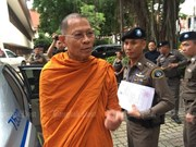 Thailand raids temples to clean up Buddhism