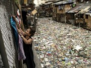 Philippines cleans up plastic trash-choked canal