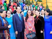 President meets with female deputies of 14th parliament