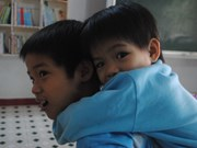 Da Nang: Children get free eye surgeries