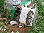 Three killed in coach accident in Kon Tum province