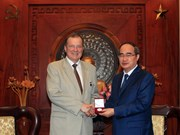 HCM City Party Secretary receives Saint Petersburg officials