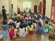 Free English classes offered at pagoda: Hanoi