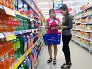 Vietnamese consumers spend less on FMCG