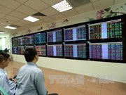 Banking stocks push shares up