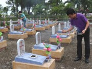 Aid offered to upgrade war martyrs' cemeteries in Quang Tri