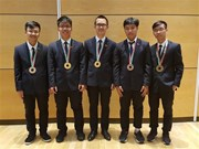 Vietnam wins two golds at Int'l Physics Olympiad