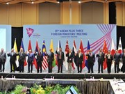 FM Pham Binh Minh attends related meetings of AMM-51