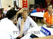 Hanoi: Health check-ups for locals in flooded areas