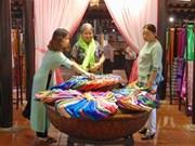 Vietnam, Japan honour traditional silk, brocade weaving