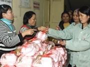 Hanoi Buddhists support disadvantaged people