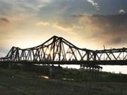 Hanoi to build new railway bridge across Red River