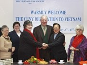 US professors seek to boost education cooperation