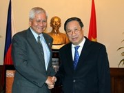 Vietnam wishes to boost ties with Philippines