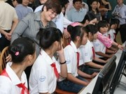 Intel helps spread computer presence in VN