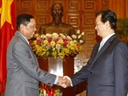 PM Dung receives outgoing ambassadors