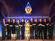 ASEAN focuses on economic development issues