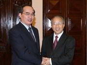 VN, China discuss measures to deepen ties