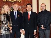 State President meets Australian artist