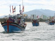Fishermen return home from Philippines