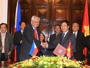 VN, Philippines tighten bilateral cooperation