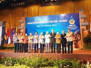 VN joins other ASEAN members in building peaceful region