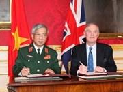 VN, UK sign MoU on defence cooperation