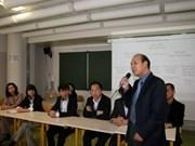Vietnamese students in Paris hold congress