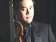 Acclaimed violinist set to add cheer to festive season