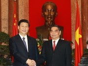 Vietnam, China vow to boost bilateral ties