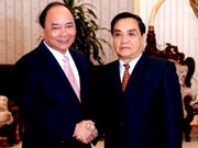 Vietnam's Deputy PM welcomed in Laos