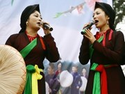 """Quan ho"" folk songs brought to France"