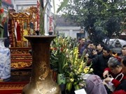 Pilgrims flock to Tran temple's seal opening ceremony