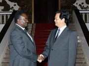 Vietnam cements ties with Angola