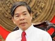 Minister tackles public concerns