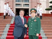 Vietnam, US step up cooperation in defence