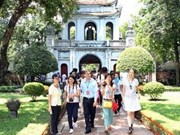 OV students offer incense at Tran temple in Thai Binh