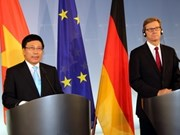 FM Minh holds talks with German counterpart