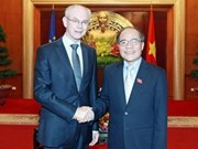 Top legislator meets European Council leader