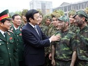 Leaders pay Tet visits to armed forces, farmers