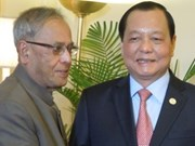 HCM City leaders visit India