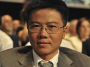Outstanding mathematician gives lecture in Hanoi