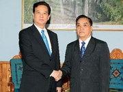PM holds meeting with Lao leader