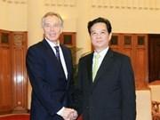 PM receives EC, UK former leaders