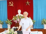 Party leader works with Dong Nai leaders