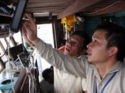 Ninh Thuan fishermen supported by satellite devices