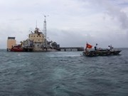 Vietnam urges int'l law compliance in East Sea