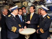 PM inspects submarine testing progress in Russia
